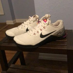 Nike Metcons size 7